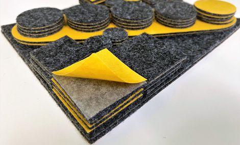 Sada samolepících plstěných podložek - antracitová, 84 ks, různé velikosti