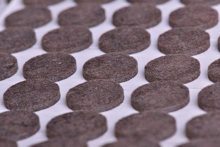 Samolepící plstěné podložky - hnědé