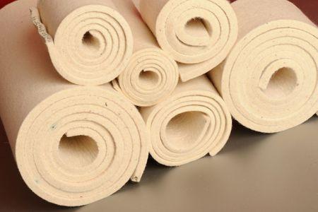 Karbonizovaný W100 – bílá, částečně tuhá (0.36 g/cm3), 100 % bavlna,